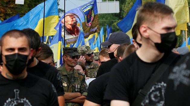 Радикалы ждут ошибок Зеленского, чтобы вернуться во власть – политолог Бортник