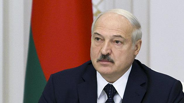 Эксперт: Лукашенко изо всех сил будет держаться за власть