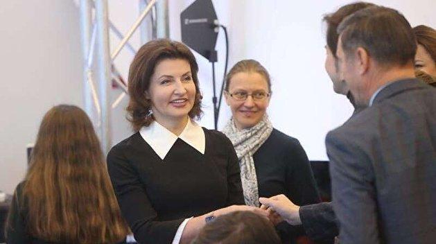 Не плачь, Марина! Порошенко отправил свою жену в большую политику