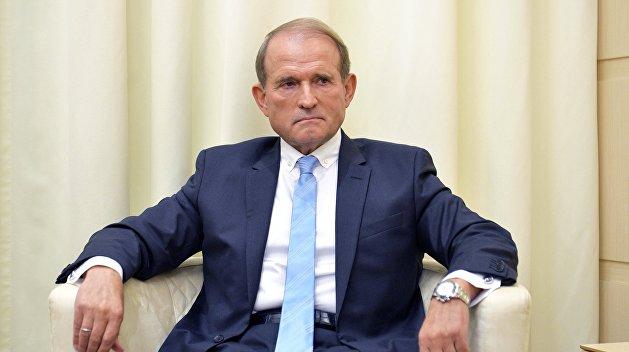 Медведчук готовит раскол в партии Зеленского — журналист