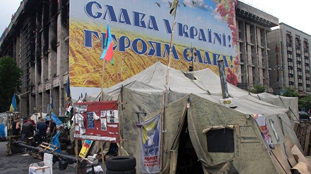 Эксперт: США хотят сохранить политическую линию Майдана