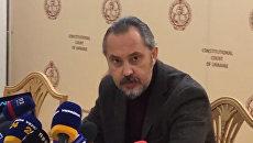Подавший в отставку судья КСУ заявил об ограблении его дома из-за земельной реформы