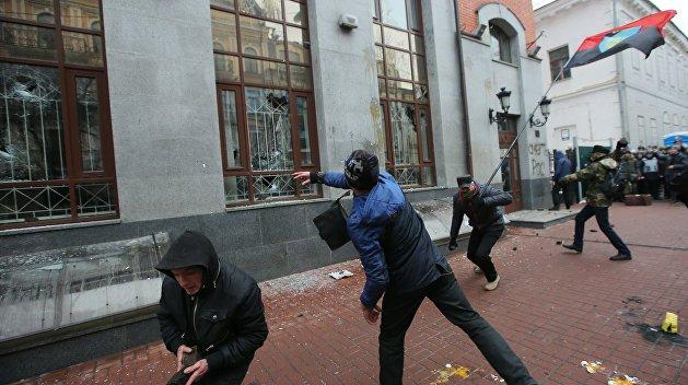 Якубин: Действия украинских радикалов благодаря Порошенко принимаются как норма