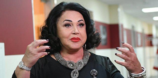 «Чисто по-пацански»: сеть разозлилась на Бабкину за снимок в лифте
