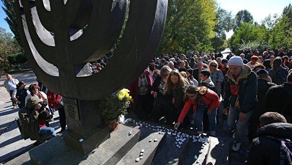 На Украине уравняли в правах победителей в Великой Отечественной войне и их врагов