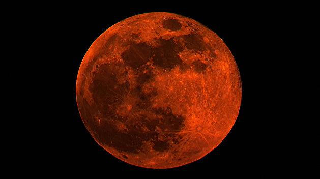 Роскосмос готовится отправить человека на Луну