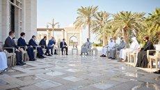 С протянутой рукой: названа цель поездки Зеленского в Дубай