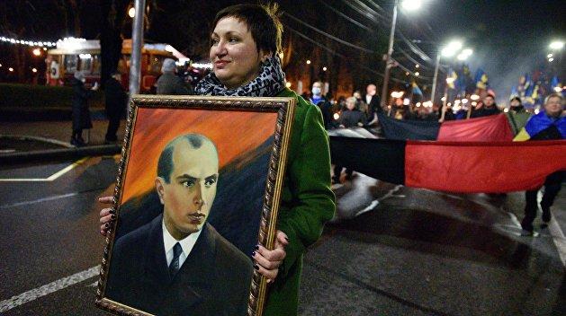 Бандера, Майдан, война и «окончательный развал Украины»