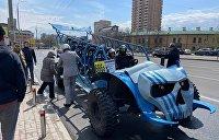 По Киеву курсирует карантинная «маршрутка» без крыши