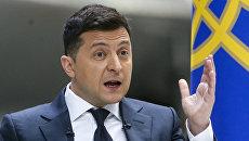 Зеленский подарил украинским олимпийцам националистический «талисман»