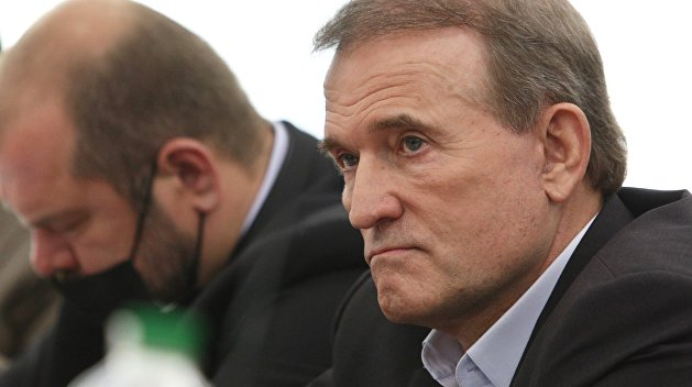 «Отвлекают внимание от черной метки Запада»: Погребинский назвал причину преследований Медведчука