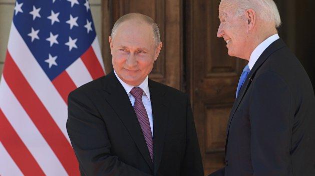 «Не специально»: Байден извинился перед Путиным за то, что назвал его «убийцей» — журналист