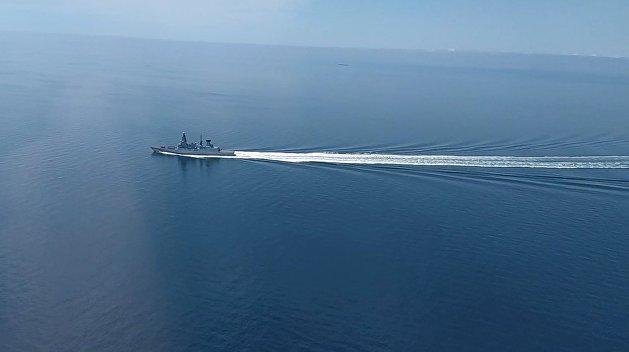 Эксперт пояснил, нужно ли было России таранить британский эсминец в Черном море