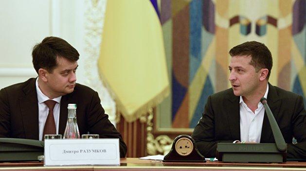 Расправа Зеленского: партия Порошенко вступилась за Разумкова
