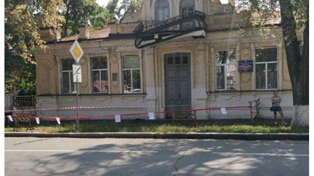 «Гитлеровский» балкон снесли в Полтаве, власти обещают вернуть