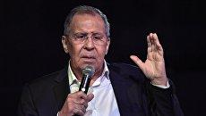 Лавров призвал Украину иметь достоинство и перестать клянчить