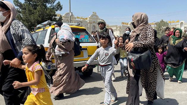 «Хорошо, если не в начале осени». Эксперт о волне беженцев, которая потечет из Афганистана