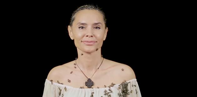 Не хуже Джоли: дочь Ющенко снялась с роем пчел ради экологии