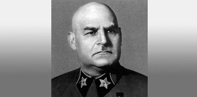 «Присвоил себе в Крыму дачу с имуществом». За что был расстрелян седьмой маршал Советского Союза