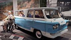 Автомобиль для комсомолки, спортсменки и просто красавицы. Как в 1960-х микроавтобус из УССР покорил всю страну