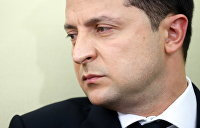 Зеленский заявил, что не знает, кто хотел убить Шефира, но пообещал сильный ответ