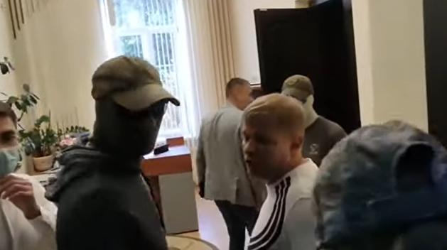 СБУ провела обыски и задержания в Полтавском горсовете