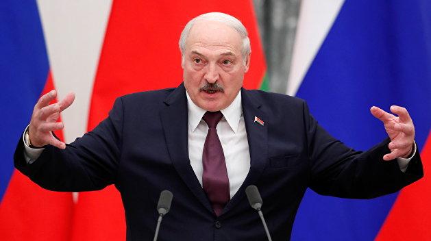"""Визит Лукашенко в Москву: """"...И бронепоезд на запАсном пути"""""""