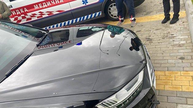 Обнародованы фото с места обстрела авто Шефира