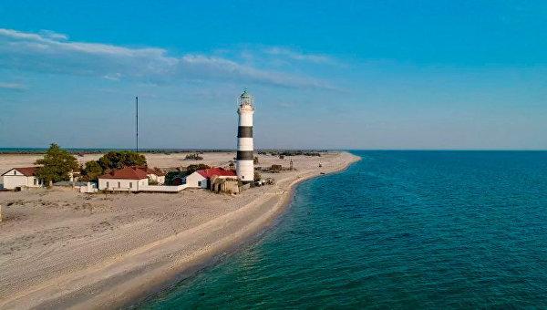 Розовое озеро, «пустыня» и дикая природа морской косы: уникальные места юга Украины