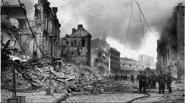 Крещатик в огне. Кто на самом деле 80 лет назад уничтожил центральную улицу Киева
