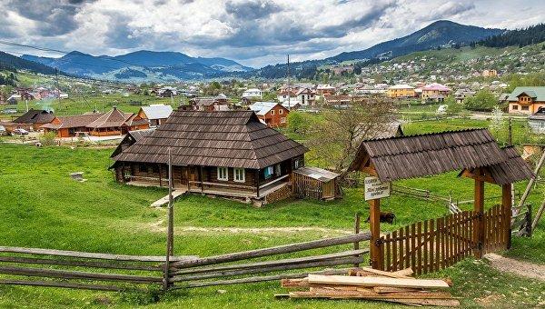 Базальтовые столбы и каменное село: малоизвестные места Украины, в которых стоит побывать