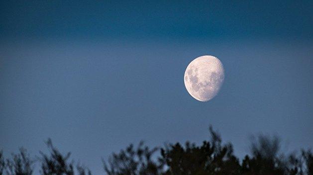 Космические амбиции: Зеленский пообещал запустить украинский модуль на Луну через три года