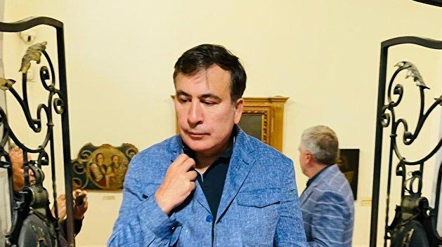 Не узнали в маске: грузинские полицейские останавливали авто с Саакашвили