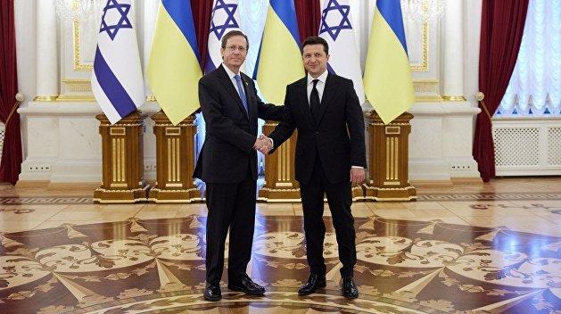 Зеленский рассказал, о чем говорил с президентом Израиля