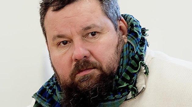 «Принуждение к миру»: писатель из Луганска описал возможный сценарий войны в Донбассе