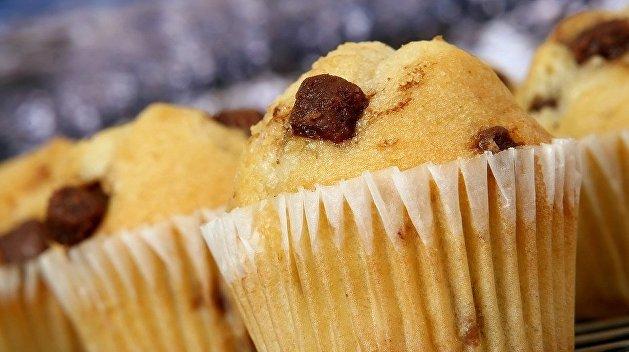 Усатый кекс и грязный хлеб: украинцев травят жуткой выпечкой